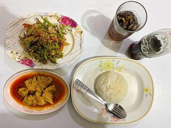 Nong Bee's Burmese Restaurantで食べたミャンマー料理