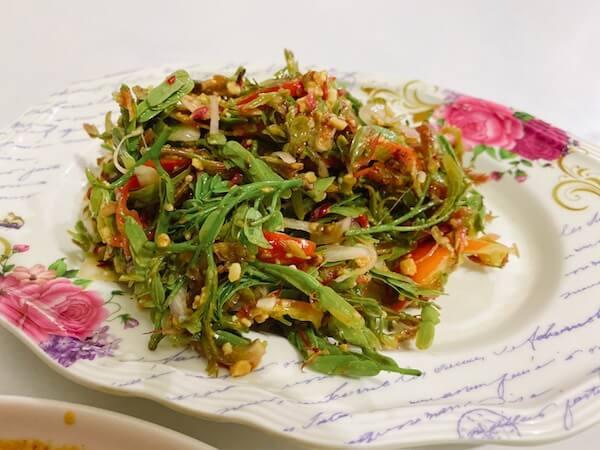 Nong Bee's Burmese Restaurantで食べたタマリンドサラダ