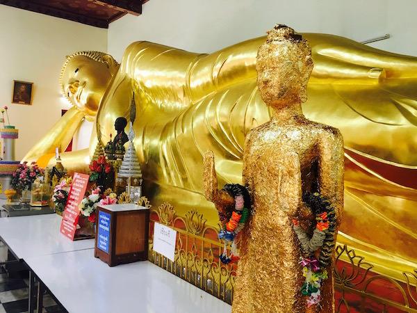 プラパトムチェディーに安置されている涅槃仏