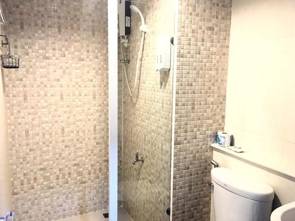 スモールビル (SMALLVILLE)のシャワールーム1