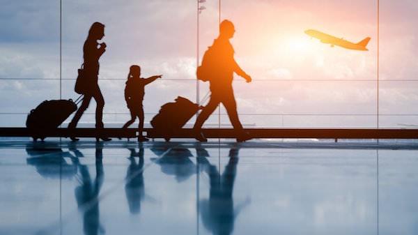 家族旅行 空港
