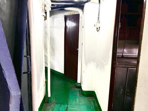 メークロン号の船内2