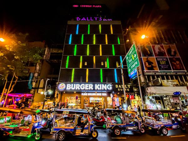 D ヴァリー ディバ バリー シーロム バンコク ホテル (D Varee Diva Bally Silom Bangkok Hotel)の外観