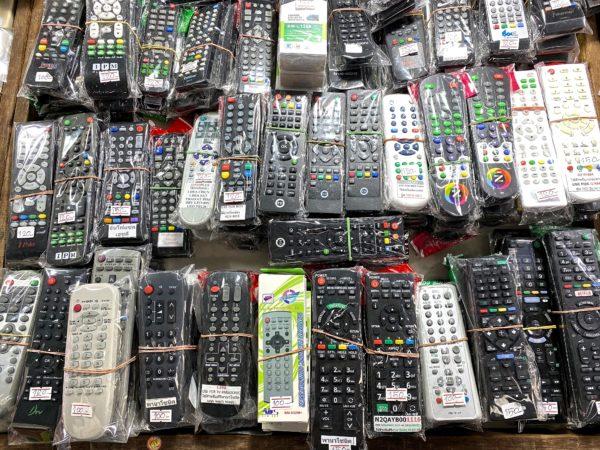 クロントム市場で売られているリモコン