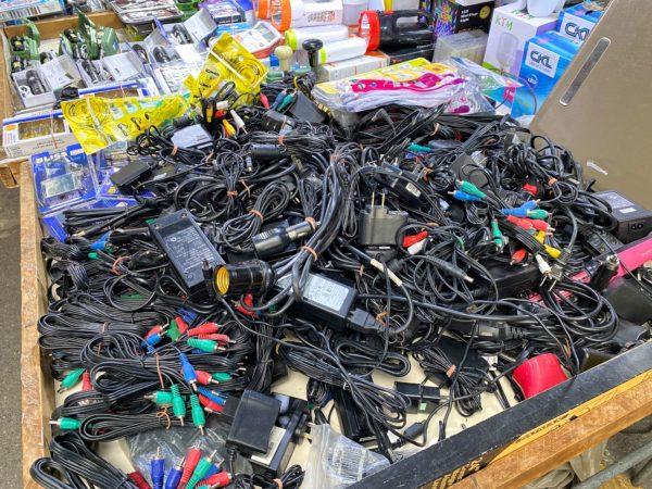 クロントム市場で売られているコード