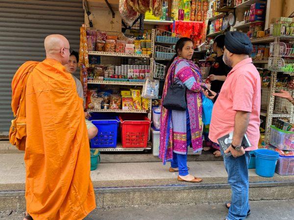パーフラット市場にいたインド人とタイ人僧侶
