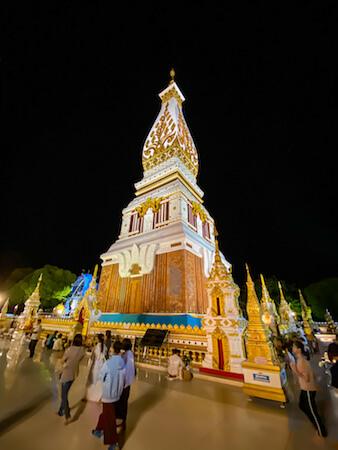 ワット プラタートパノムの仏塔2