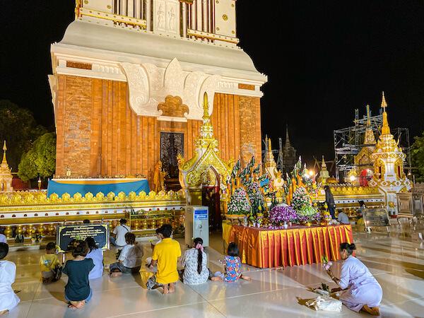 ワット プラタートパノムの仏塔3
