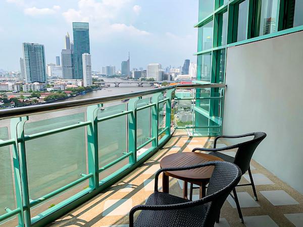 チャトリウム ホテル リバーサイド バンコク (Chatrium Hotel Riverside Bangkok)グランドスイート 1ベッドルーム リバービューのバルコニー