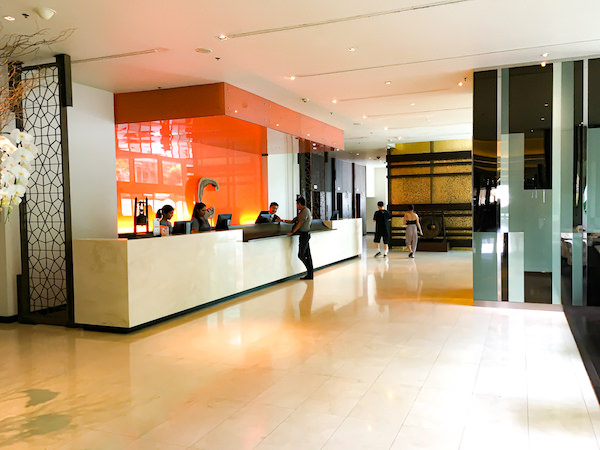 チャトリウム ホテル リバーサイド バンコク (Chatrium Hotel Riverside Bangkok)のチェックインレセプション