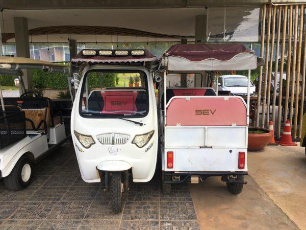 カーブ 360 ホテル カオヤイ(Curve360 Hotel Khao Yai)のゴルフカート