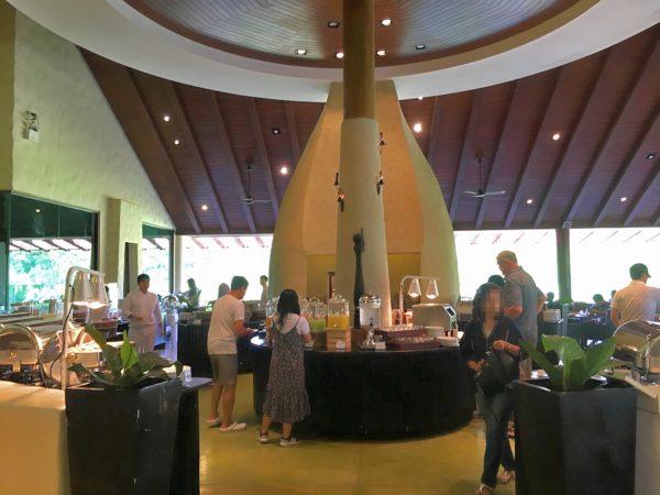 キリマヤ ゴルフ リゾート スパ(Kirimaya Golf Resort Spa)の朝食会場
