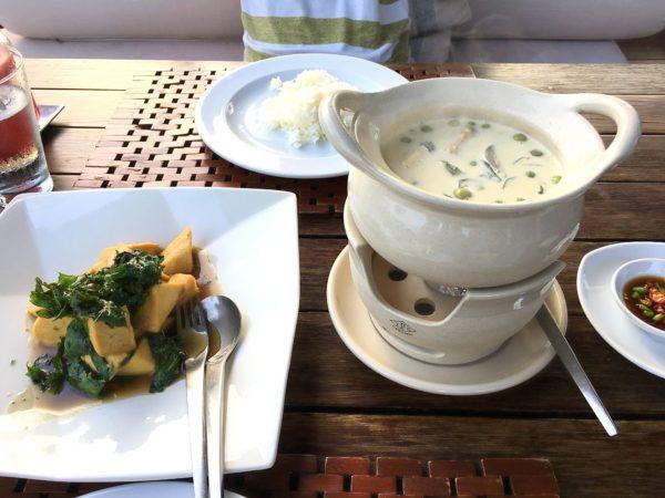 キリマヤ ゴルフ リゾート スパ(Kirimaya Golf Resort Spa)のレストランでの食事