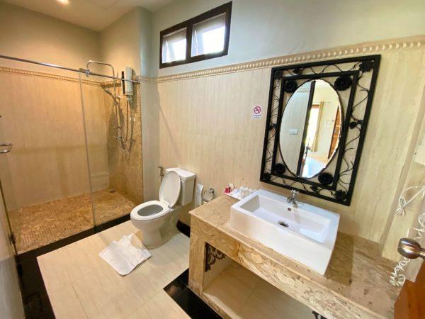 バラタ カオヤイ リゾート(Valata Khaoyai Resort)の客室シャワールーム