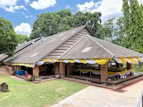 ワット タンマチャク セーマーラーム(Wat Dhammachakra Semaram/วัดธรรมจักรเสมาราม)の仏堂
