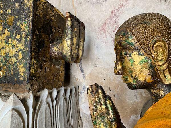 ワット・インターラーム(Wat Intharam Worawiharn)の仏像2