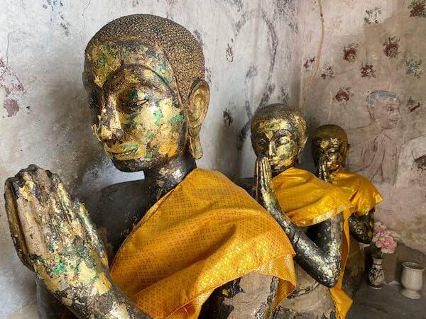 ワット・インターラーム(Wat Intharam Worawiharn)の仏像3