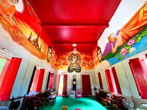 ワット・コー(Wat Ko)仏堂内の壁画1