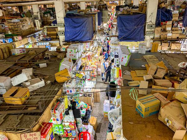 オルセーマーケットの内部1