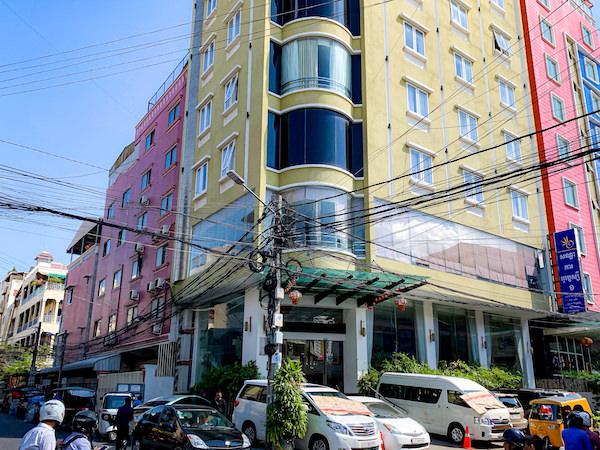 オルセー ワン ホテル アンド アパートメント(Orussey One Hotel and Apartment)の外観