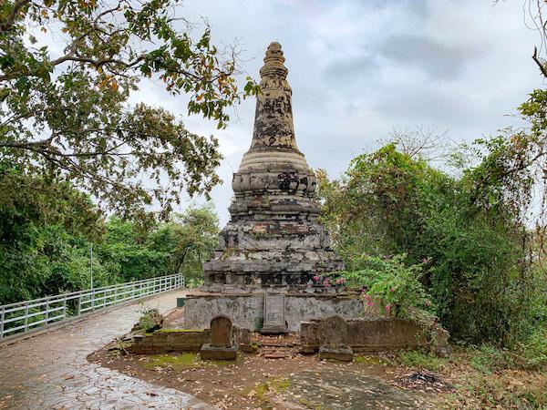 ウドン遺跡の仏塔3