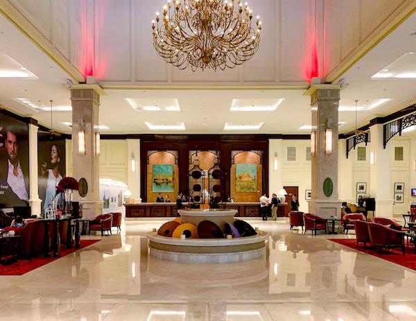 ソフィテル プノンペン プーキートラー ホテル(Sofitel Phnom Penh Phokeethra Hotel)のエントランスロビー