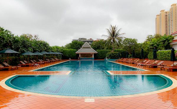 ソフィテル プノンペン プーキートラー ホテル(Sofitel Phnom Penh Phokeethra Hotel)のプール