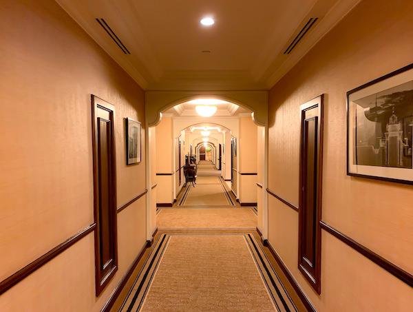 ソフィテル プノンペン プーキートラー ホテル(Sofitel Phnom Penh Phokeethra Hotel)内の通路
