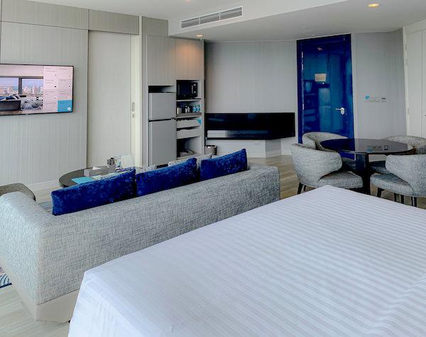 グランデ センター ポイント パタヤ(Grande Centre Point Pattaya)のパノラミックスイート客室2