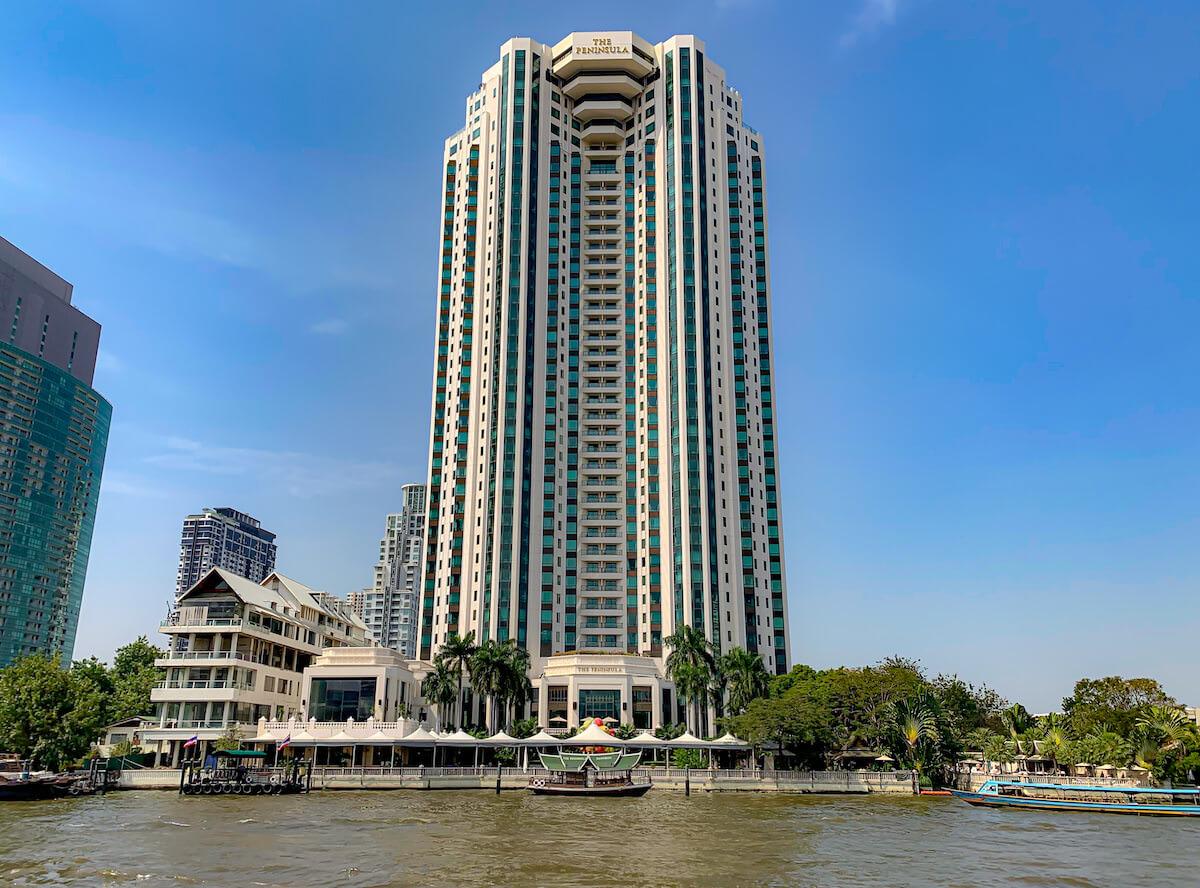 チャオプラヤー川から見たペニンシュラホテル