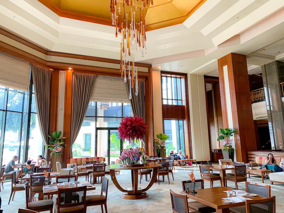 ザ ペニンシュラ バンコク(The Peninsula Bangkok)1階のレストラン