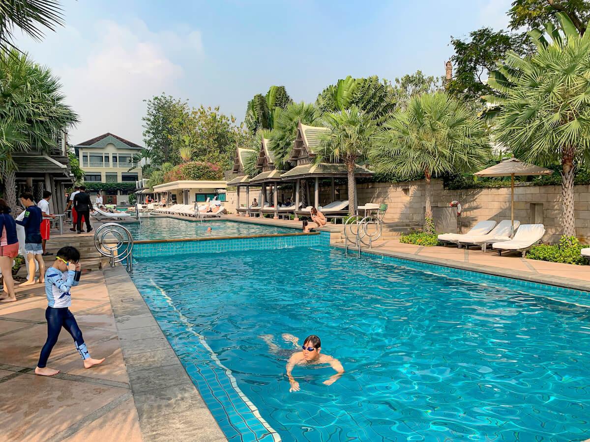 ザ ペニンシュラ バンコク(The Peninsula Bangkok)のプール4