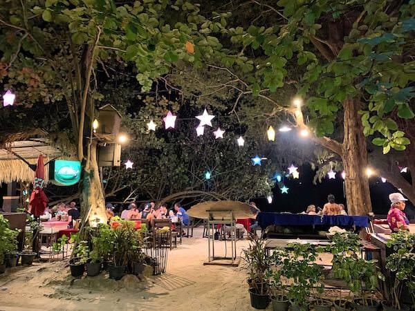 アオパイビーチのレストラン