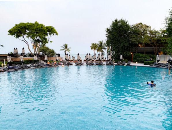 ホアヒン マリオット リゾート アンド スパ(Hua Hin Marriott Resort and Spa)のプール2