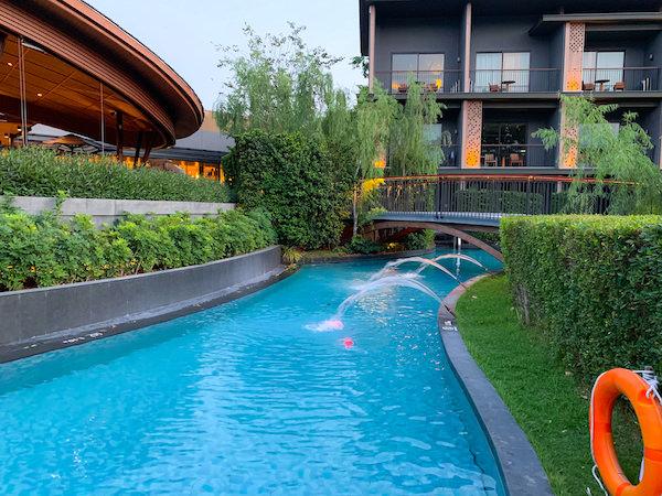 ホアヒン マリオット リゾート アンド スパ(Hua Hin Marriott Resort and Spa)の水路プール3