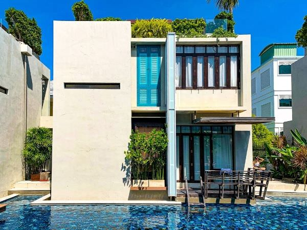 レッツシーホアヒン アルフレスコ リゾート(Let's Sea Hua Hin Al Fresco Resort)のプールから見える客室棟