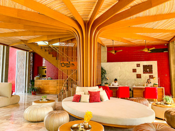 レッツ シー フアヒン アルフレスコ リゾート(Let's Sea Hua Hin Al Fresco Resort)のレセプションロビー