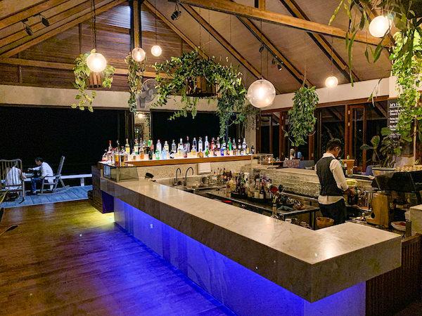レッツ シー フアヒン アルフレスコ リゾート(Let's Sea Hua Hin Al Fresco Resort)のビーチフロントレストラン1