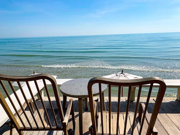 レッツ シー フアヒン アルフレスコ リゾート(Let's Sea Hua Hin Al Fresco Resort)の朝食会場2