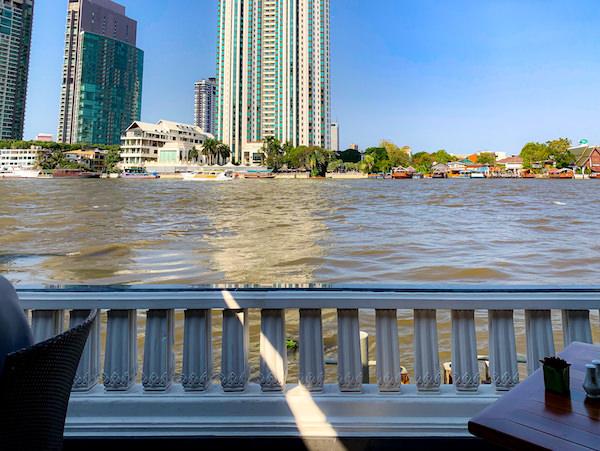 マンダリン オリエンタル バンコク(Mandarin Oriental Bangkok)の朝食会場から見えるチャオプラヤー川
