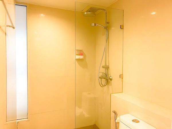 ナントラ リトリート アンド スパ(Nantra Retreat and Spa)のシャワールーム