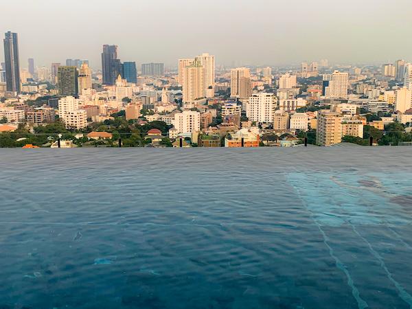 137 ピラーズ レジデンシズ バンコク(137 Pillars Residences Bangkok)のプール4