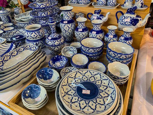 クローンラットマヨム水上マーケットで売られていた陶器