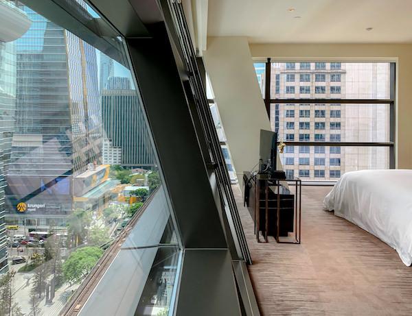 ローズウッド バンコク(Rosewood Bangkok)の客室窓2