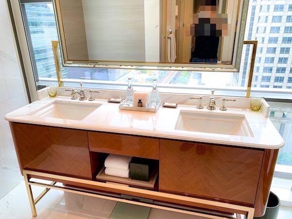 ローズウッド バンコク(Rosewood Bangkok)の洗面台