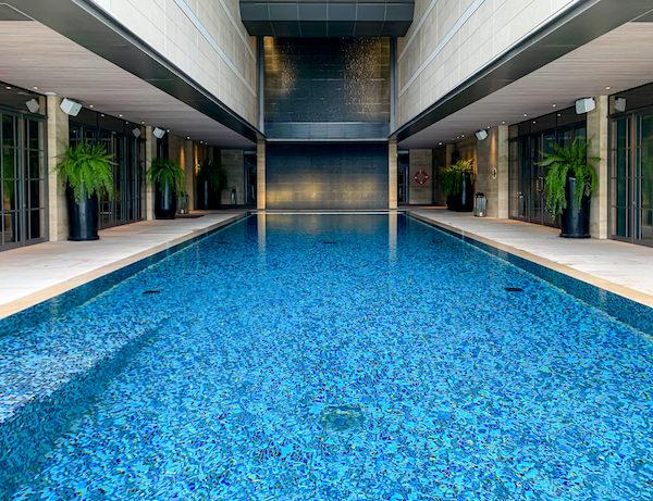 ローズウッド バンコク(Rosewood Bangkok)のプール2