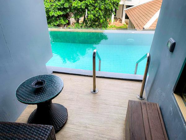 カルム バーンセーン ホテル(Kalm Bangsaen Hotel)の客室バルコニー2