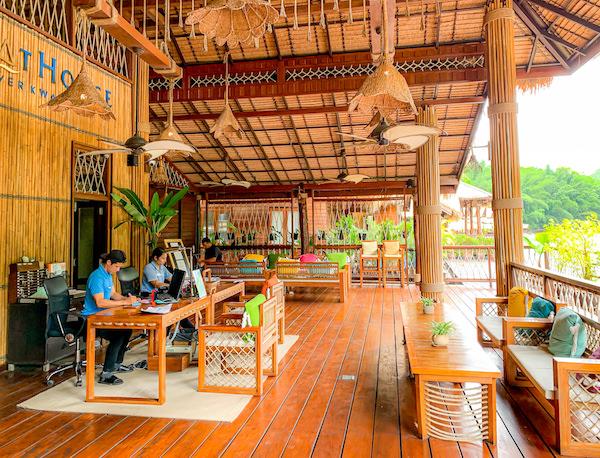 ザ フロートハウス リバークワイ リゾート(The Float House River Kwai Resort)のレセプション2