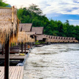 ザ フロートハウス リバークワイ リゾート(The Float House River Kwai Resort)各客室棟のフローティングテラス