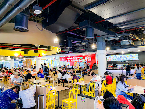 ドンムアン空港4階の24時間営業フードコート